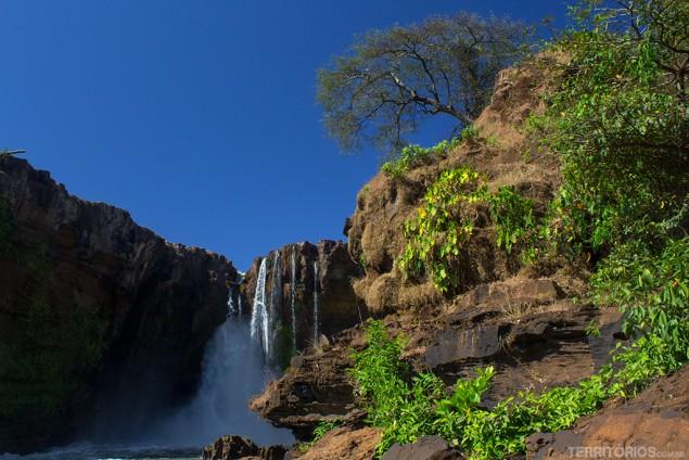 Lado direito da Cachoeira da Prata