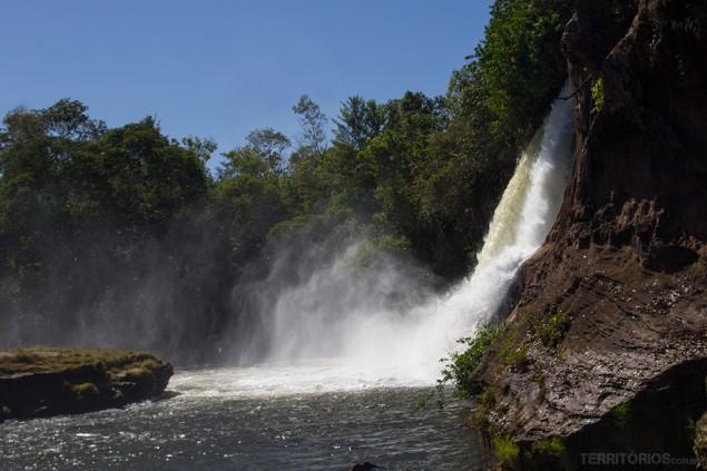 Lado esquerdo da Cachoeira da Prata