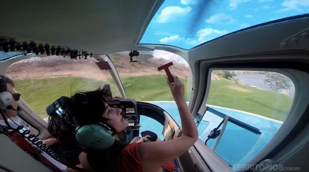 Preparada para o voo de helicóptero