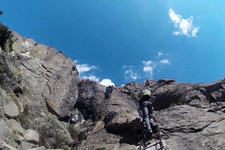 Descer a montanha mais alta da África do Sul