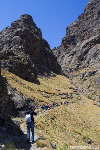 Trilha perto do topo da montanha