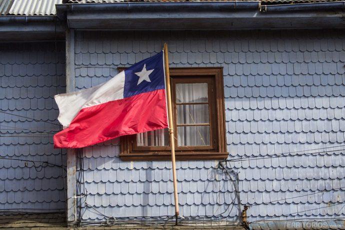 Bandeira do Chile em casa de Puerto Varas