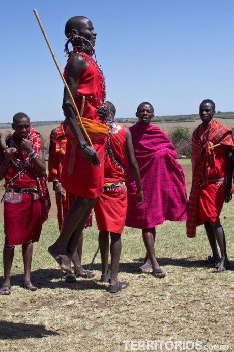 O jeito corporal do Maasais darem as boas vindas
