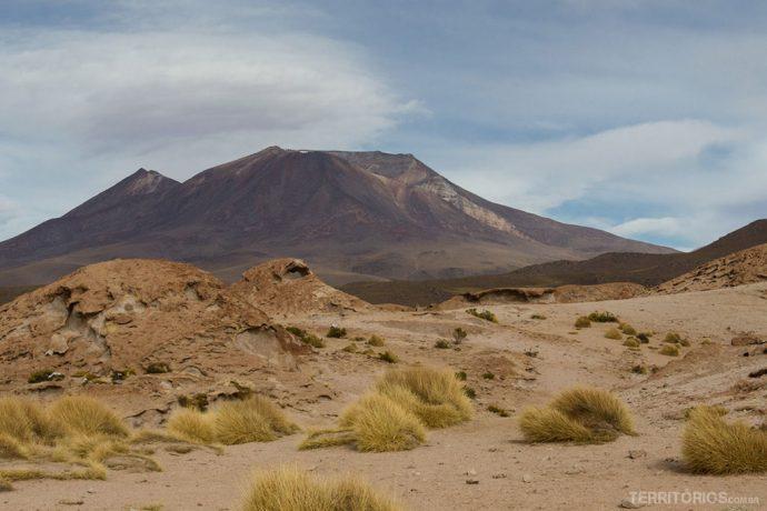 Mirante para o vulcão Ollangue