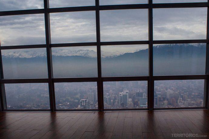 Visual no andar 62 do mirante mais alto da América Latina