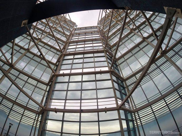 Estrutura do topo no andar 62