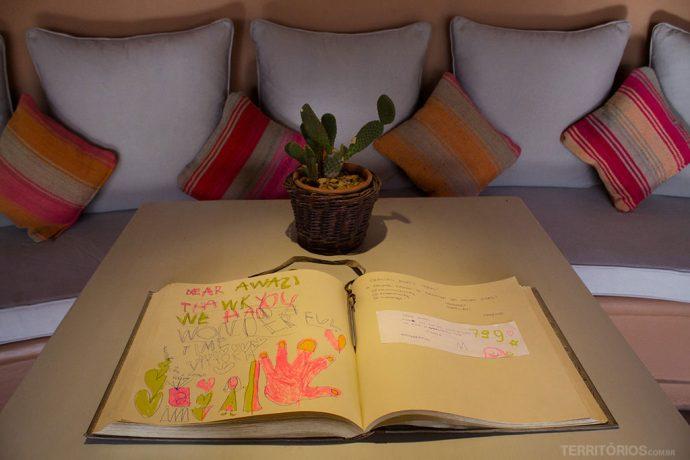 Livro de visitas do Awasi Atacama
