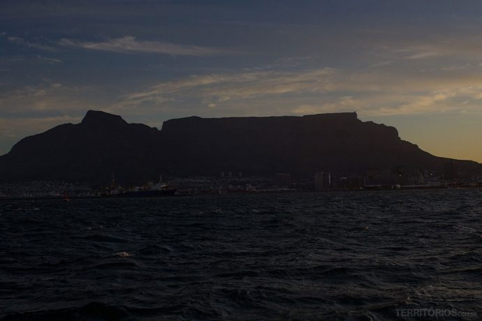 Table Mountain vista em alto mar