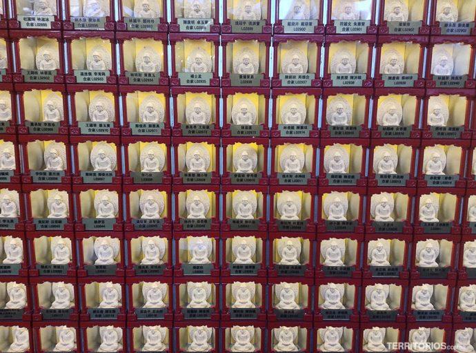 10.000 Budas no terraço