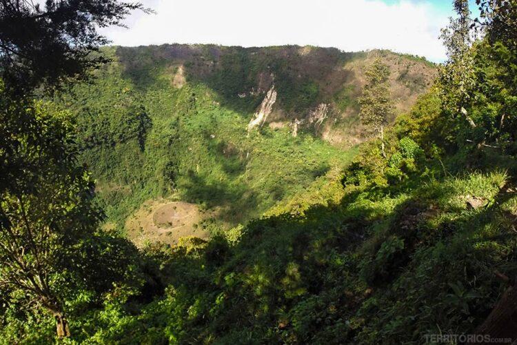 Cratera do vulcão San Salvador