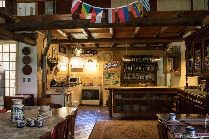 Cozinha para uso dos hóspedes na pousada Volta ao Mundo