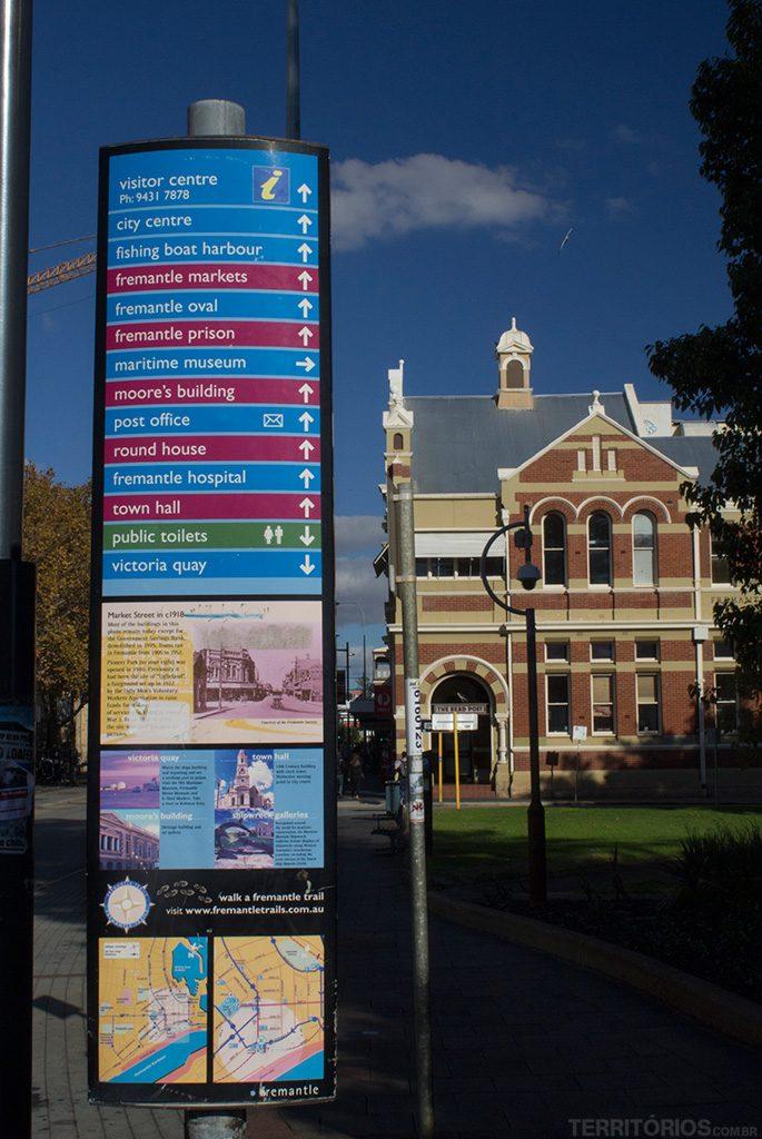 Cidade bem sinalizada e fácil de andar