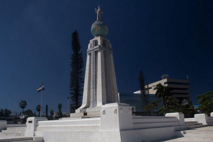 Monumento al Divino Salvador del Mundo