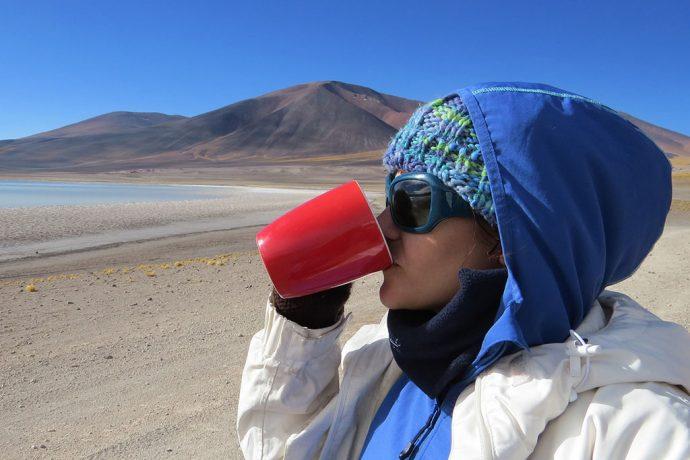 Protetor de pescoço ajuda bastante a manter a temperatura do corpo durante a viagem pelo Salar Uyuni no inverno