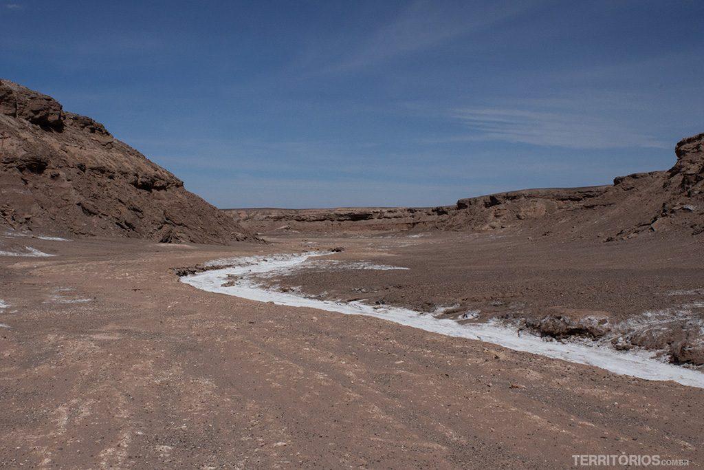 Rio branco de sal na Quebrada de Kari