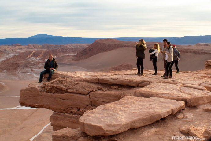 Posição certa do fotógrafo pra tirar a foto famosa na Pedra do Coyote