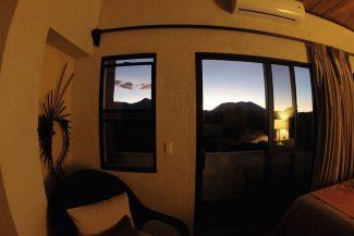 Nascer do sol pela janela