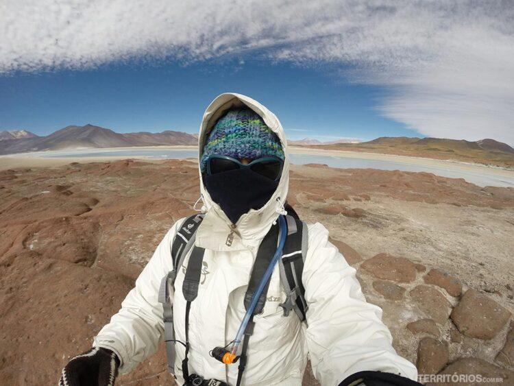 Não deixar o calor escapar, nem o frio entrar dentro da roupa é o segredo no deserto com altitude