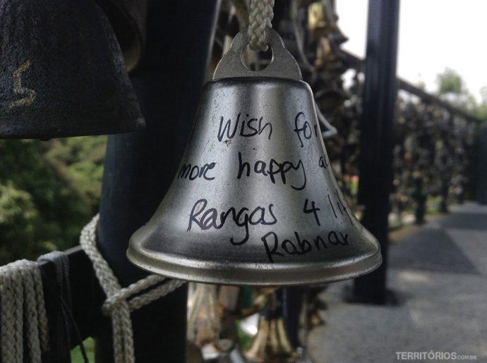 Mensagens em sinos no Monte Faber