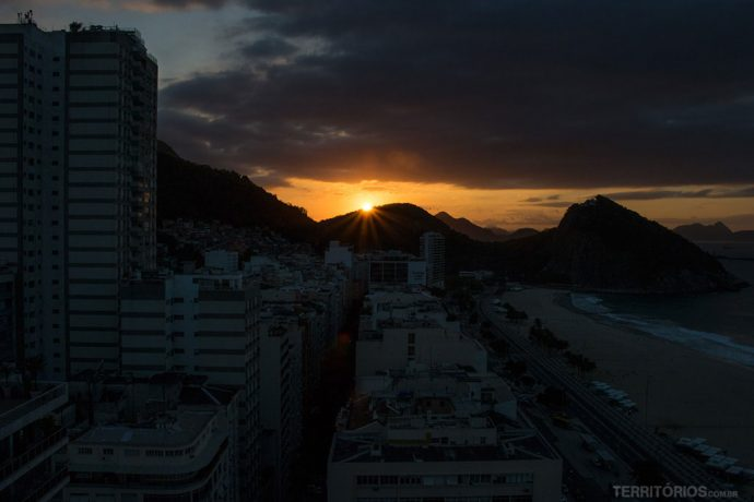 Nascer do sol visto do quarto do Hilton Rio de Janeiro Copacabana