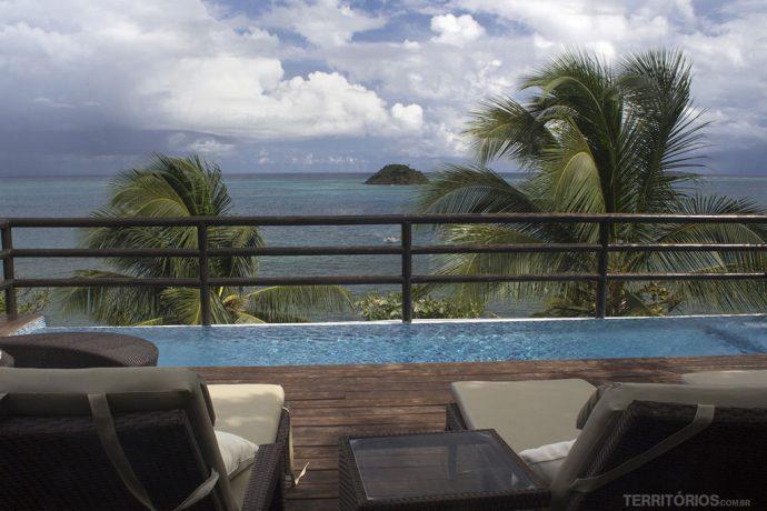 Vista da piscina do Deep Blue para Crab Cay