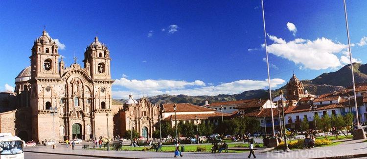Catedral e Plaza de Armas
