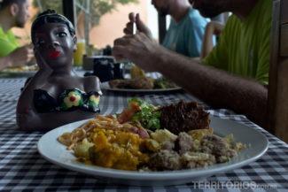Almoço mineiro no Serra do Luar
