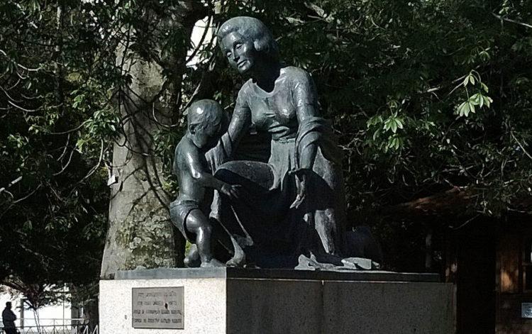 Monumento ao Dia das Mães em Pelotas