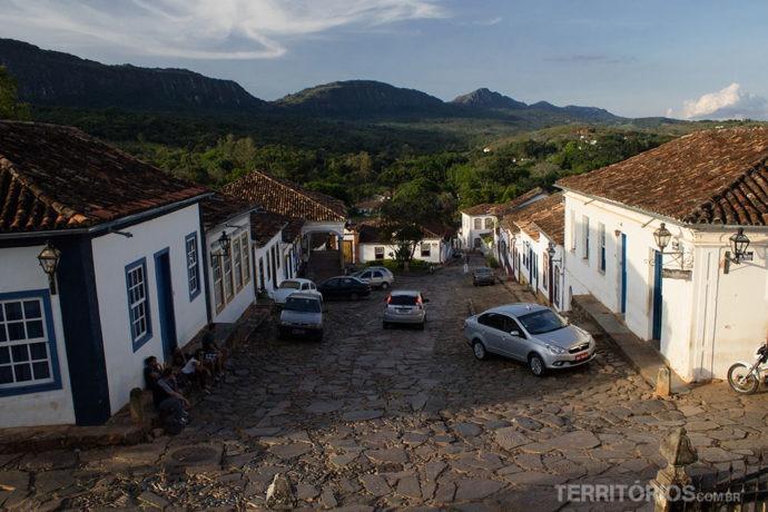 Carros não deveriam circular no centro histórico de Tiradentes