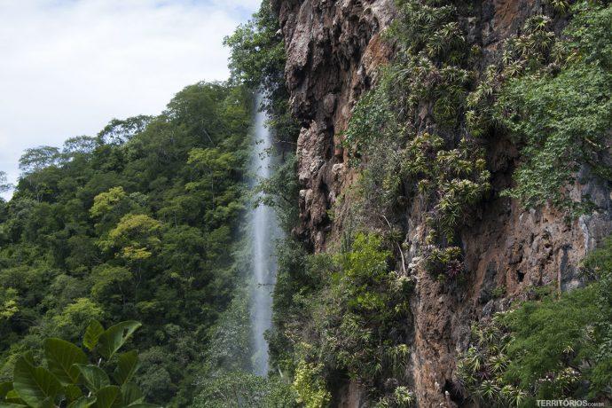 Maior cachoeira do Mato Grosso do Sul fica perto de Bonito