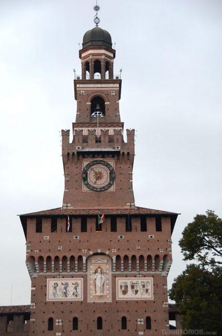 O Castello Sforzesco é um dos principais símbolos de Milão com intensa programação artística