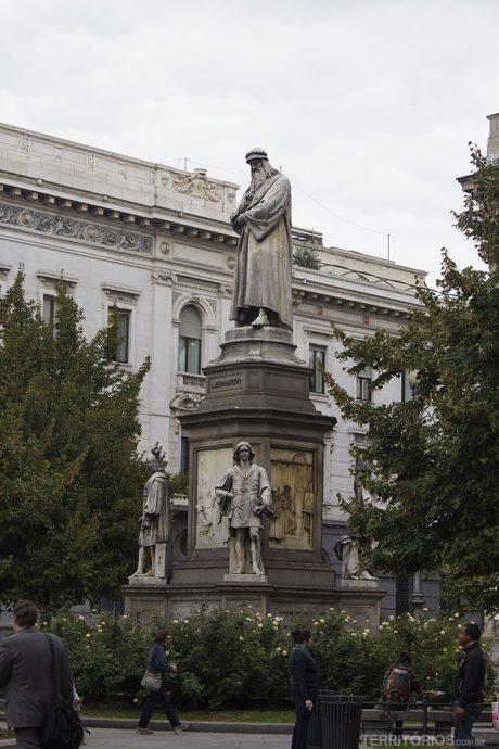 Estátua do Leonardo Da Vince