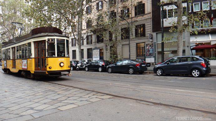 Tram nas ruas de Milão