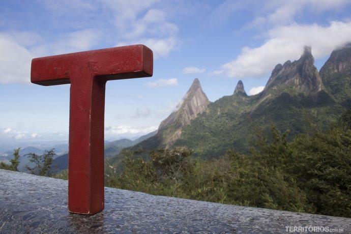 Tesão por viajar no Mirante do Soberbo observando o Dedo de Deus, em Teresópolis