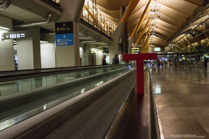 E a Tesão por viajar segue correndo pelos aeroportos do mundo. Em Barajas, Madri