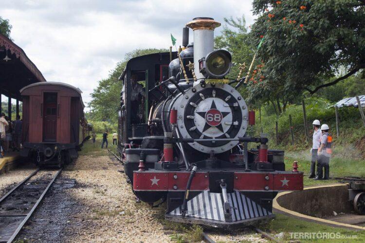 Viagem de Trem Brasil - São João del Rey a Tiradentes