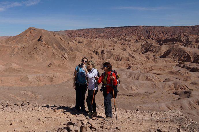 Quebrada del Diablo tem trilha e paisagem no Atacama