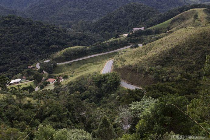As curvas rumo à Serra da Mantiqueira