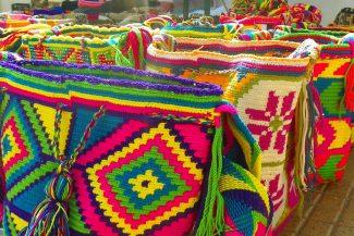 As lindas e coloridas bolsas Wayuu