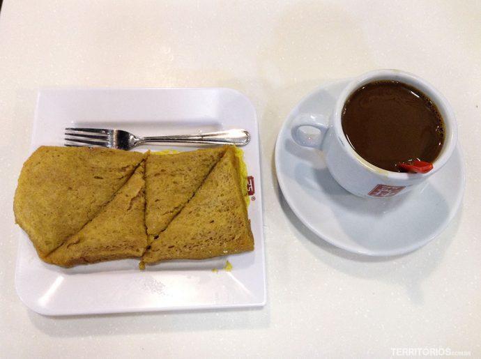 Café da manhã típico é extremamente doce