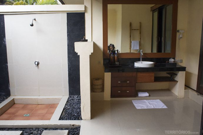 Banheiro ao ar livre no Villa Ombak