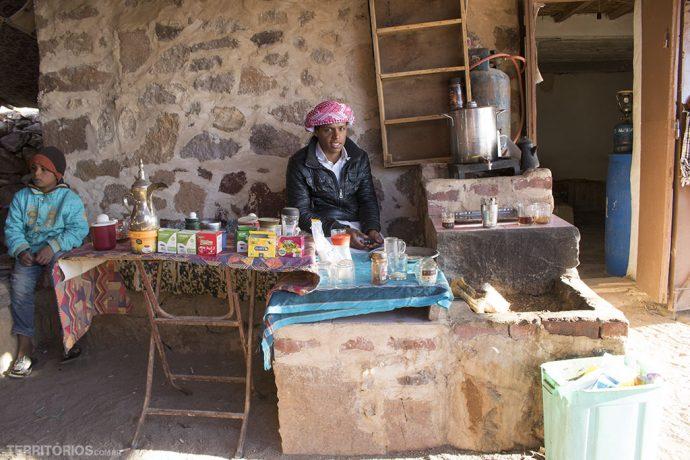 Uma das cafeterias dos beduínos