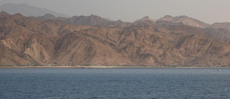 Aqba: a fronteira e o mergulho no Mar Vermelho