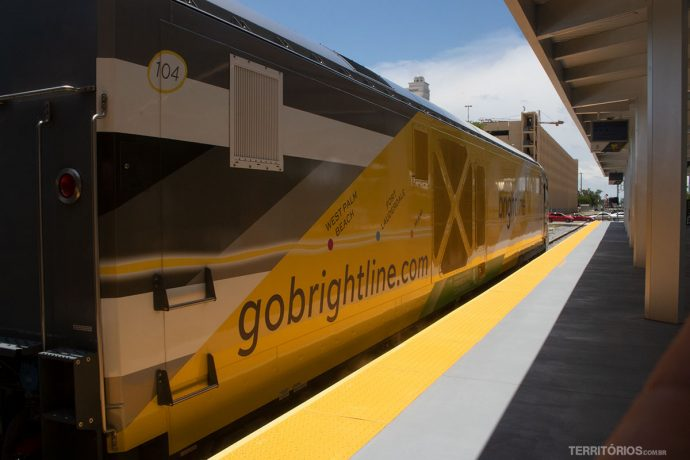 Trem Brightline BrightYellow
