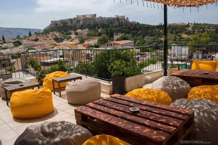 Roof Top do Pella Inn com vista para Acrópolis