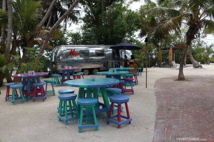 Ambiente surf do Morada Bay Beach Cafe