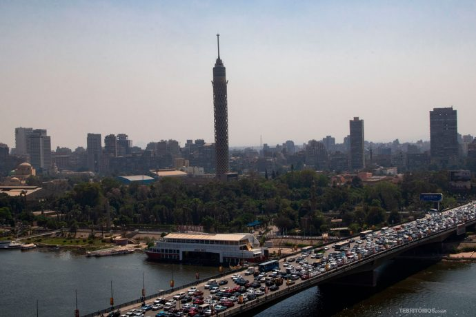 Torre do Cairo e o Rio Nilo