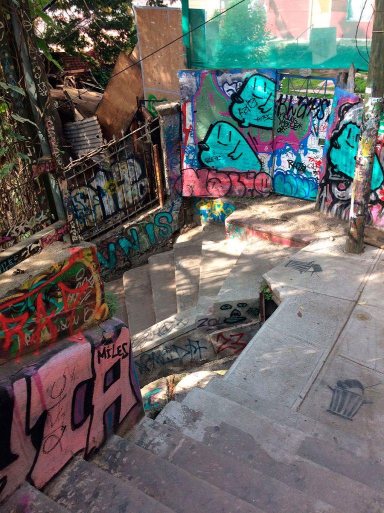 Escadarias e graffiti