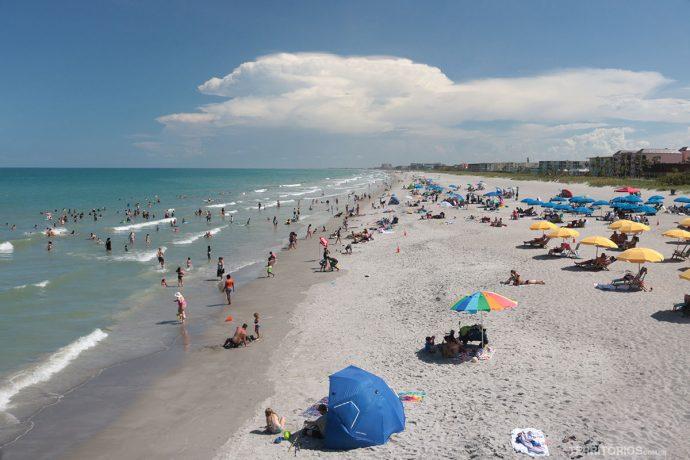 Cocoa Beach, uma das praias famosas da costa leste da Flórida