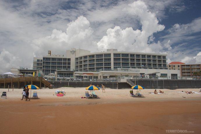 Praia Daytona Beach em frente ao hotel Hard Rock Café